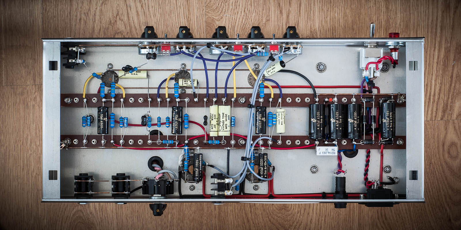 El34 Amps In The 20 To 25 Watt Range Page 3 Gear 20w Power Tube Amplifier With Fx Makes Among Finest Small Boutique Swappable 6l6 And Look At This Job